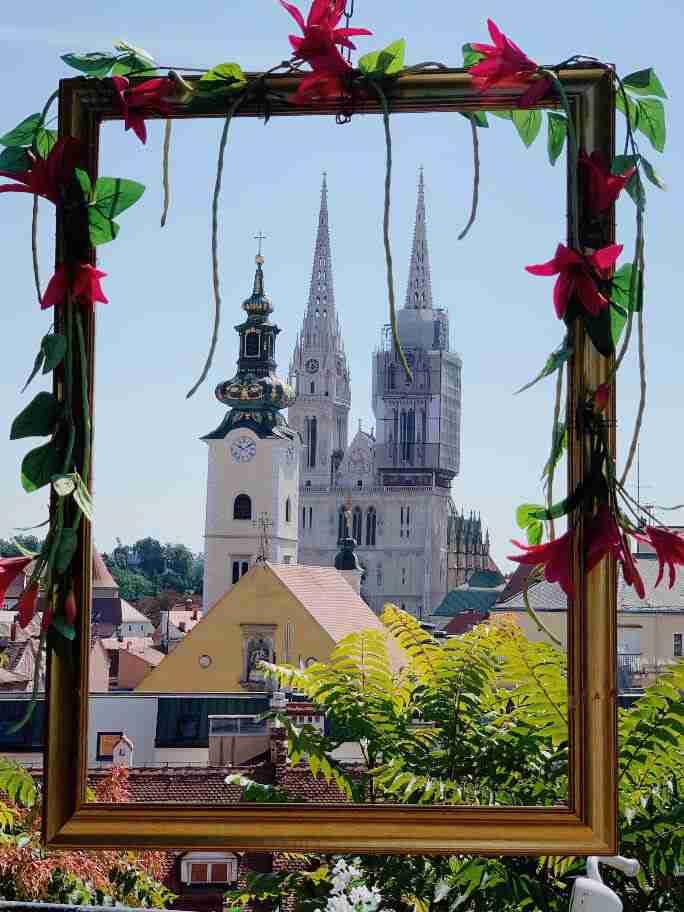 הנוף לעבר הקתדרלה בזאגרב