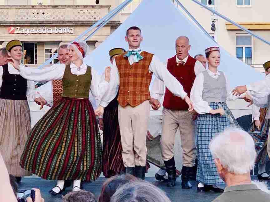 ריקוד מסורתי בזאגרב
