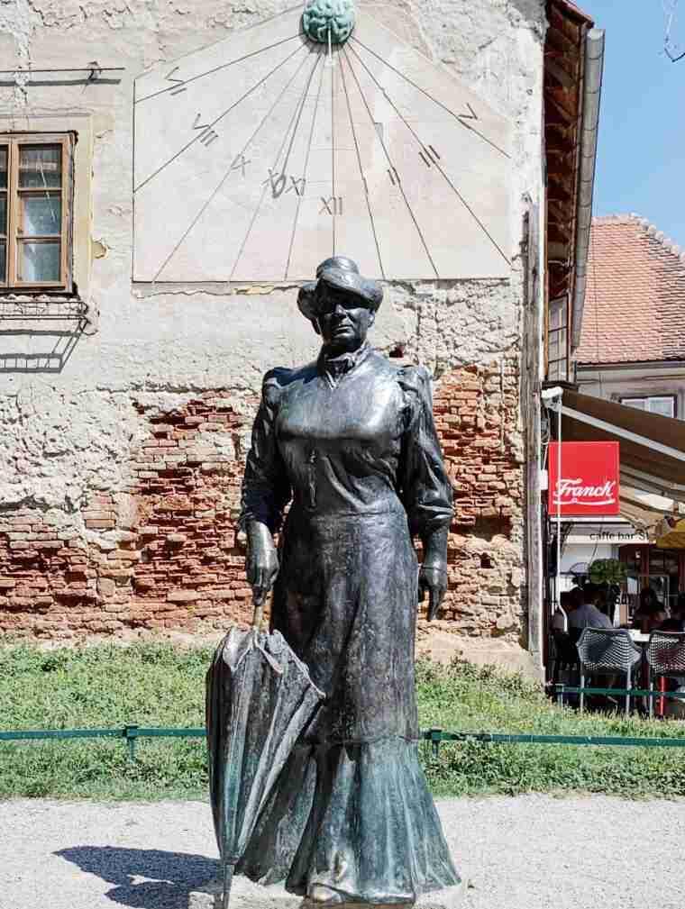 פסלה של מריה יורה זגורקה, זאגרב
