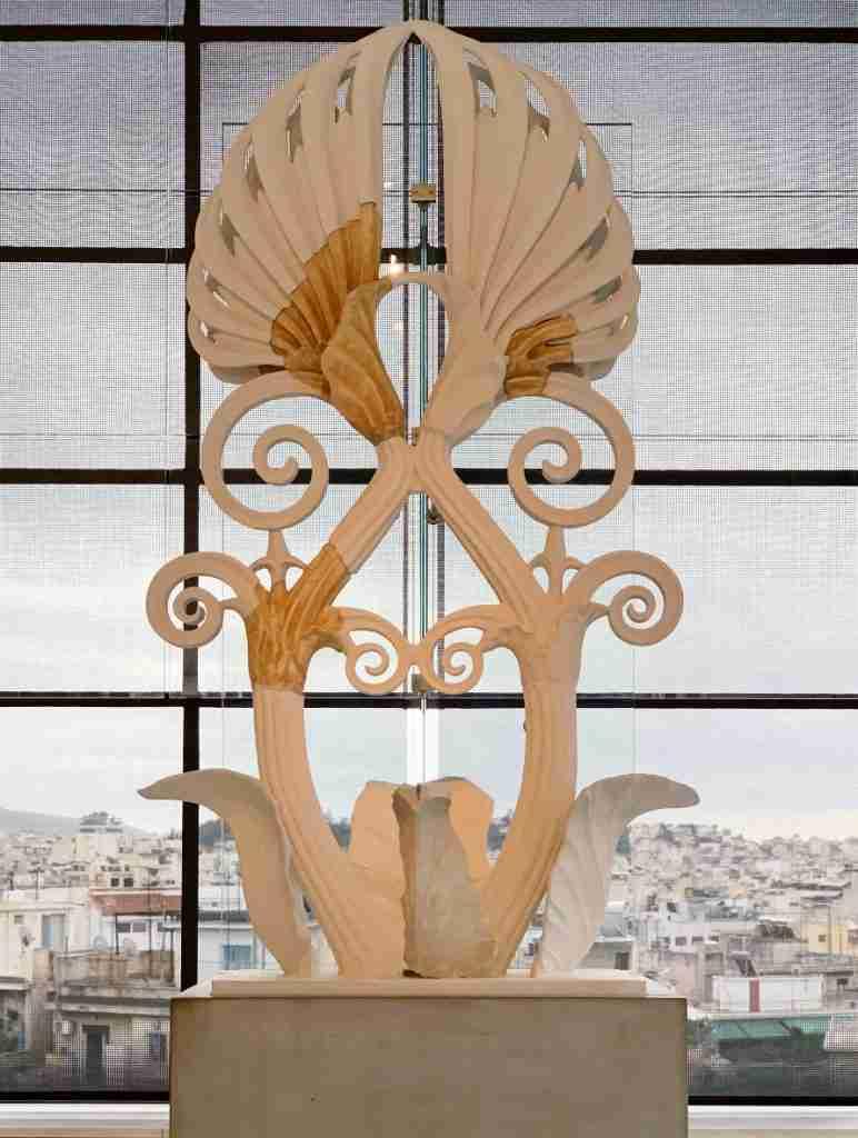 שריד ארכיאולוגי במוזיאון האקרופוליס באתונה
