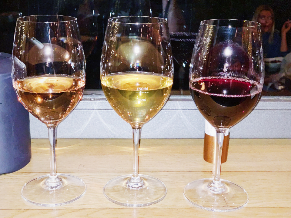 קולינריה באתונה - טעימות יין