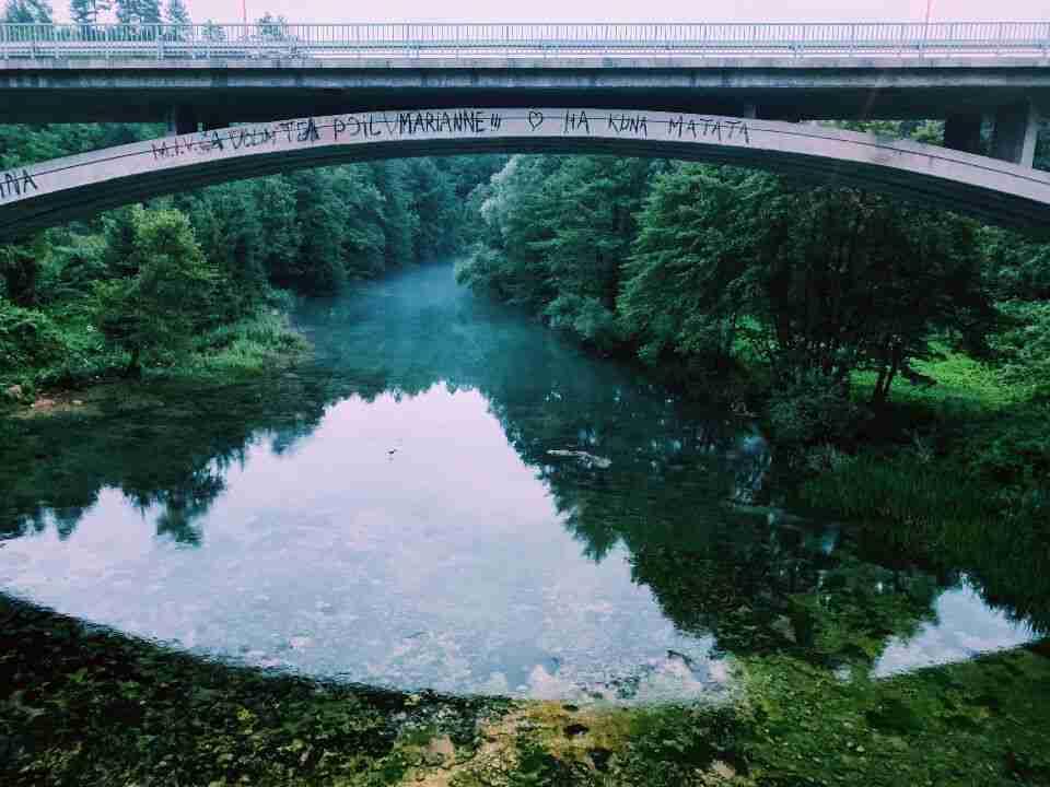 הגשר בעיירה רסטוקה, ליד שמורת פליטביצה