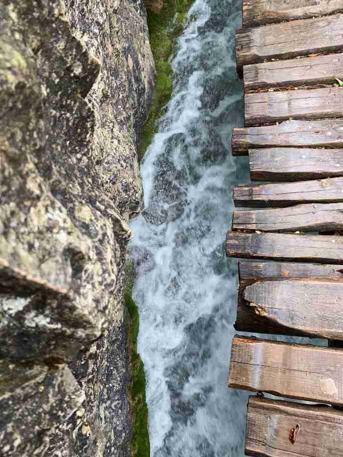 האגמים העליונים בשמורת פליטביצה, גשרים מעץ