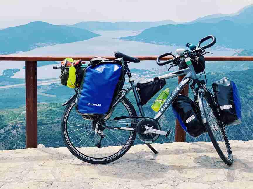 תצפית למפרץ קוטור, מונטנגרו