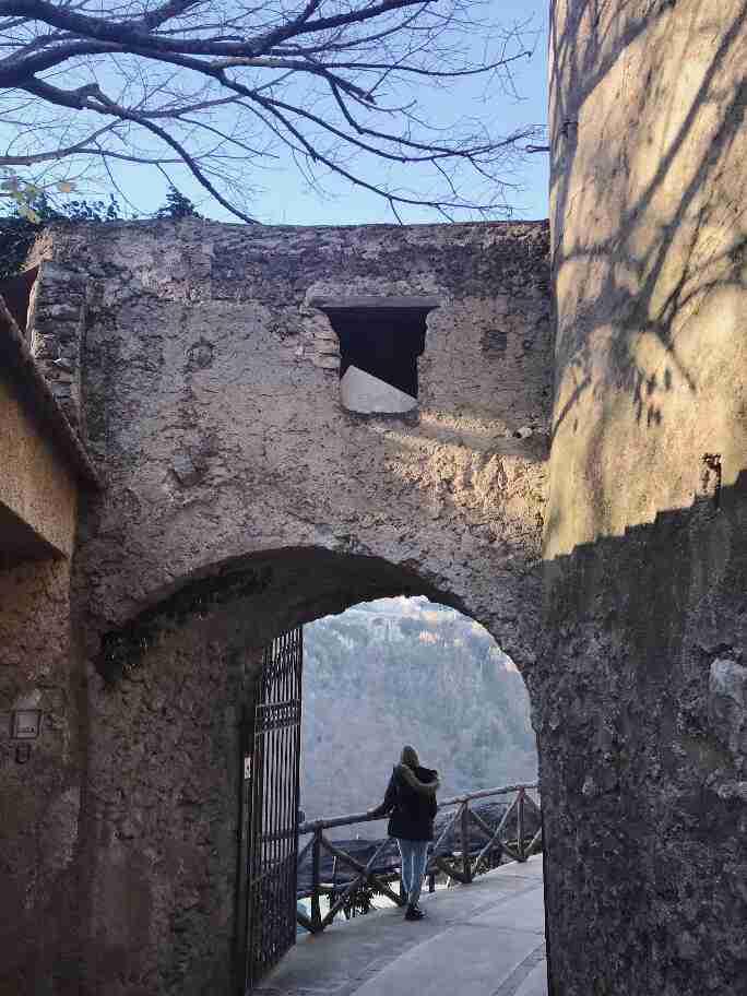 טילה צ'ימברונה, ראוולו, דרום איטליה