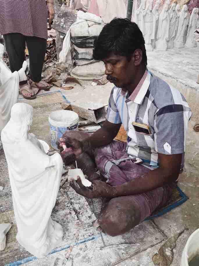 יצירת פסלים - אומנות ואמונות בהודו