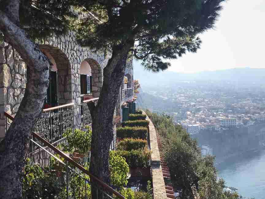 הנוף ממלון מגה מארה דרום איטליה