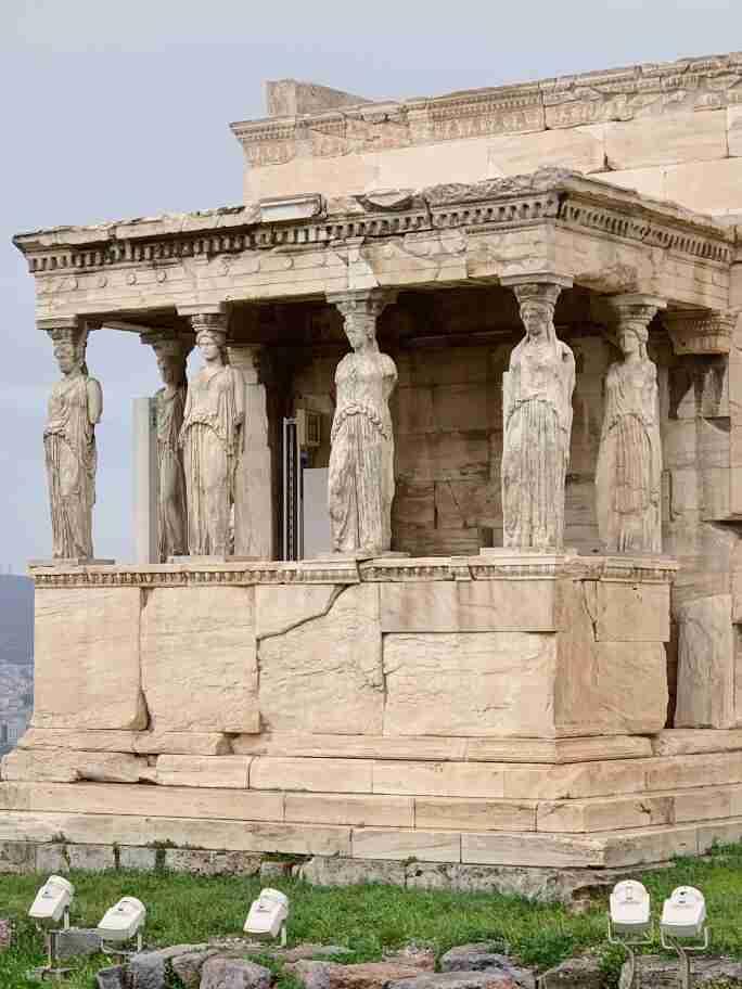 הקריאטידות באקרופוליס, אתונה