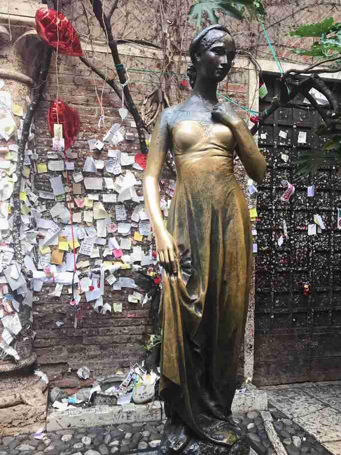 הפסל של יוליה - ורונה