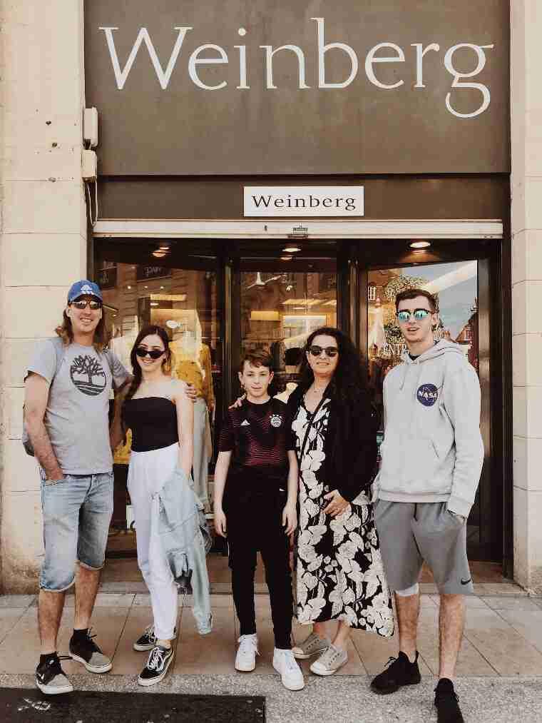 משפחת ויינברג בדיז'ון