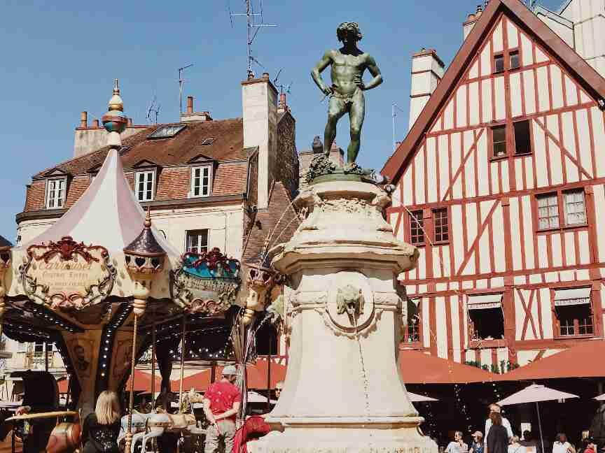 חופשה בצרפת - רחוב Rue Des Forges דיז'ון