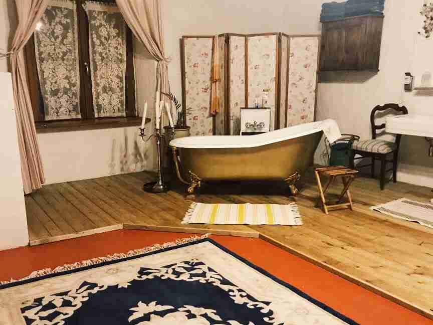שאטו בצרפת - השאטו בבורבוול - האמבטיה