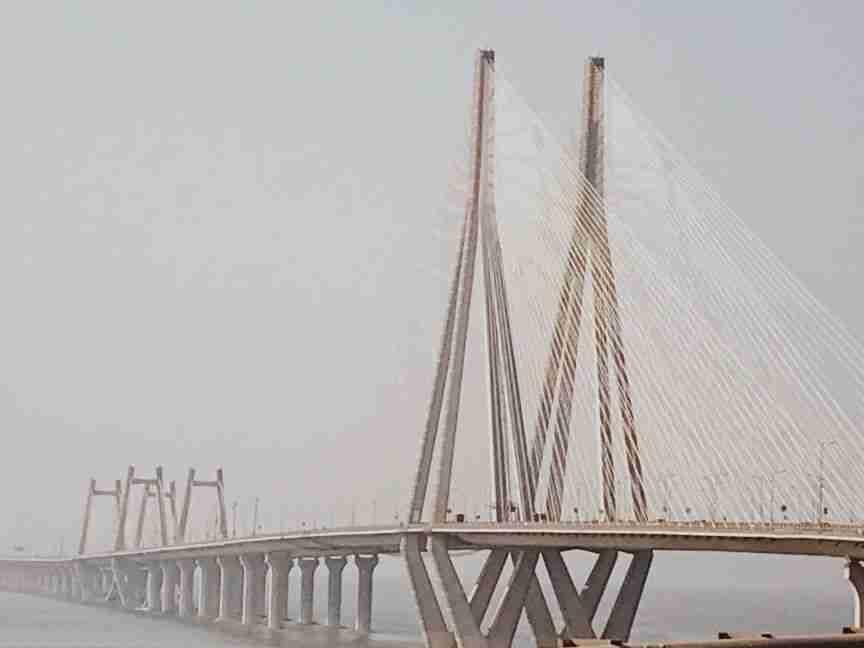 גשר המיתרים בין צפון ודרום מומבאי
