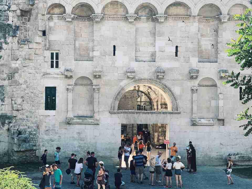 השער הצפוני של ארמון דיוקלטיאנוס, ספליט