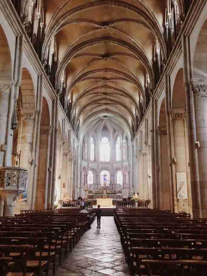 חופשה בצרפת - קתדרלת סנט ג'ין, בזאנסון