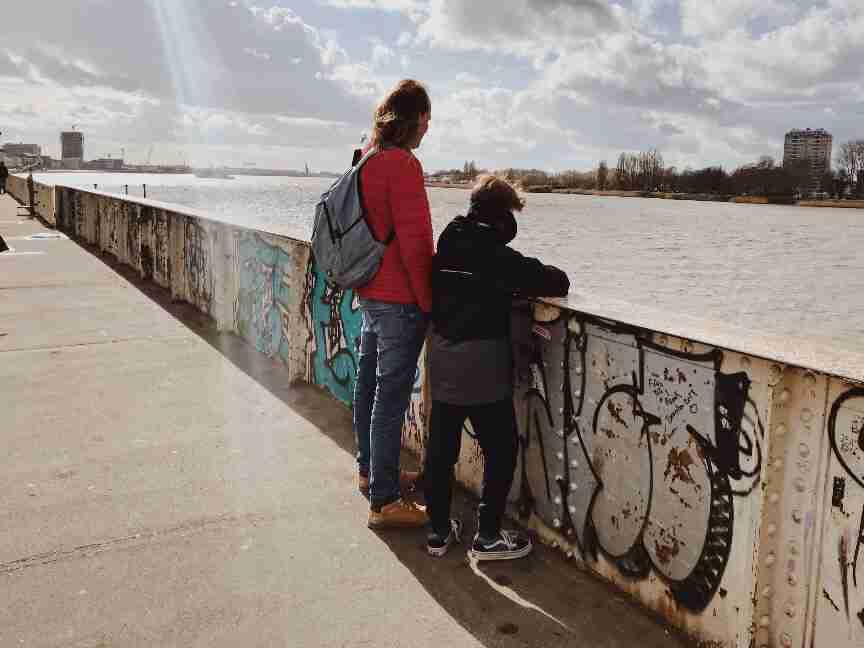 על גדות נהר הסכלדה אנטוורפן