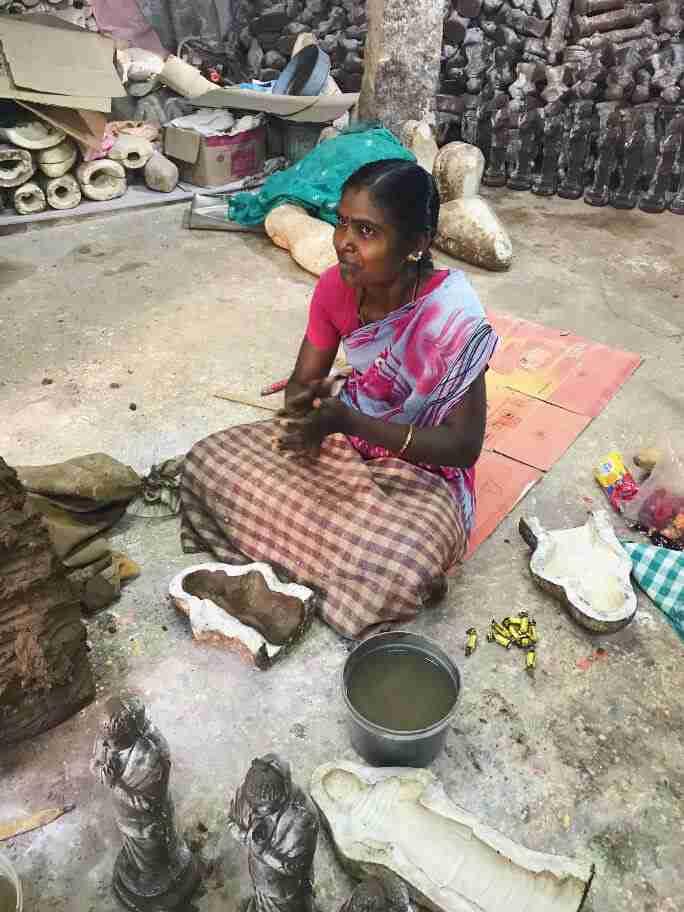 תבניות לפסלי חימר - אומנות ואמונות בהודו