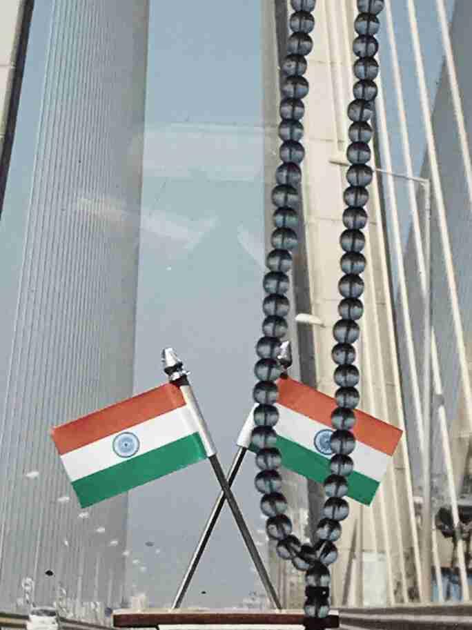 דגל הודו בכל מונית. מומבאי