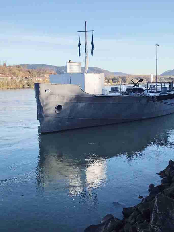 מעגן לספינות על הדנובה - מלק, אוסטריה