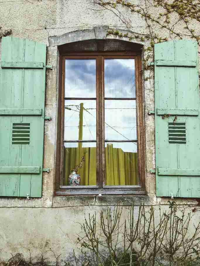 שאטו צרפת - חלון צרפתי