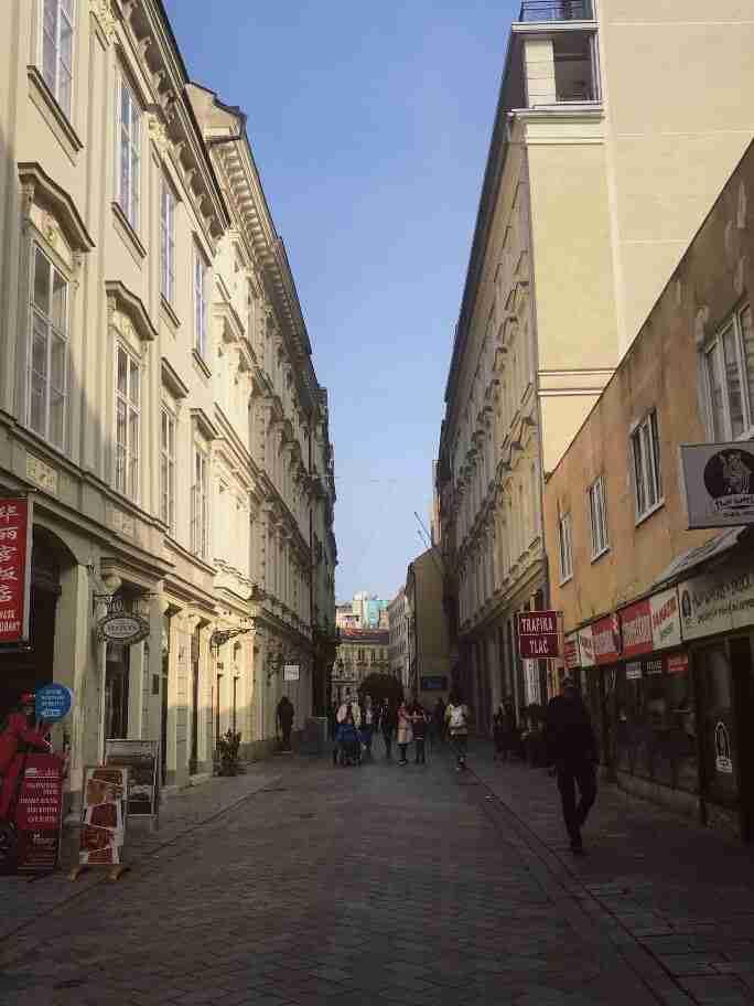 רחובות ברטיסלבה, סלובקיה