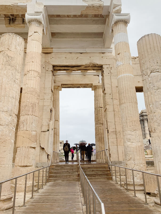 הטיפוס אל האקרופוליס, אטרקציות באתונה