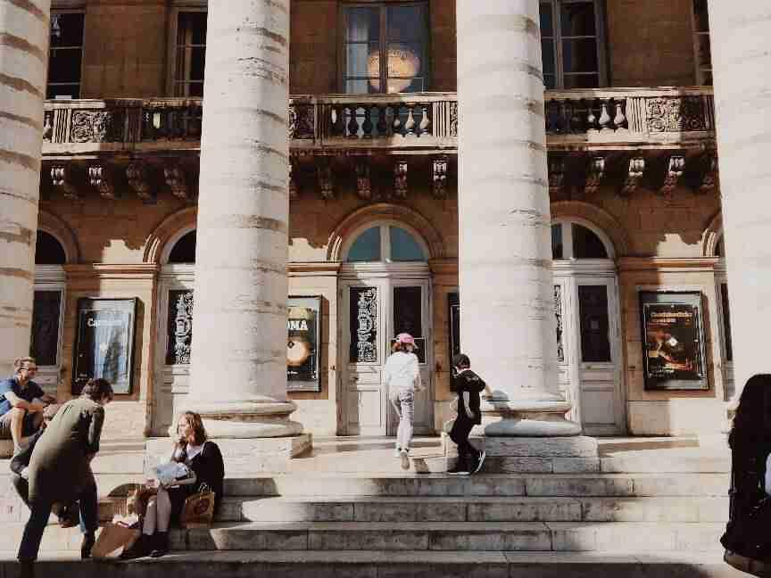 בית האופרה, דיז'ון. חופשה בצרפת