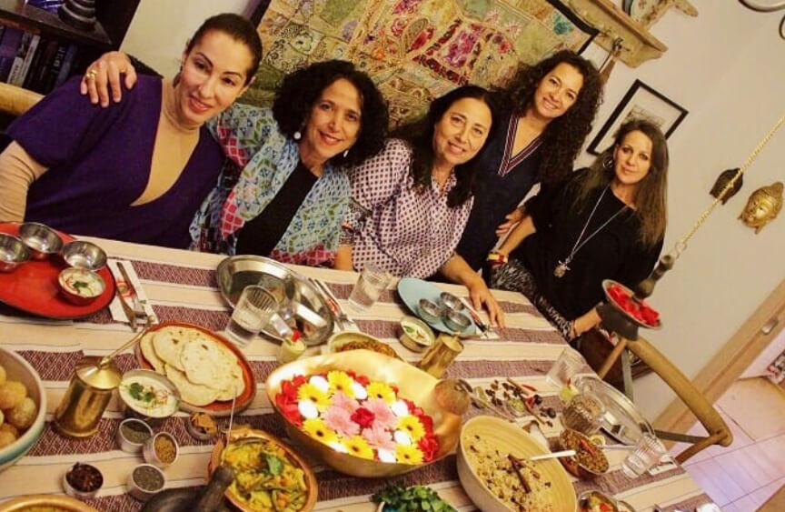 אירוח הודי עם אוכל הודי אותנטי