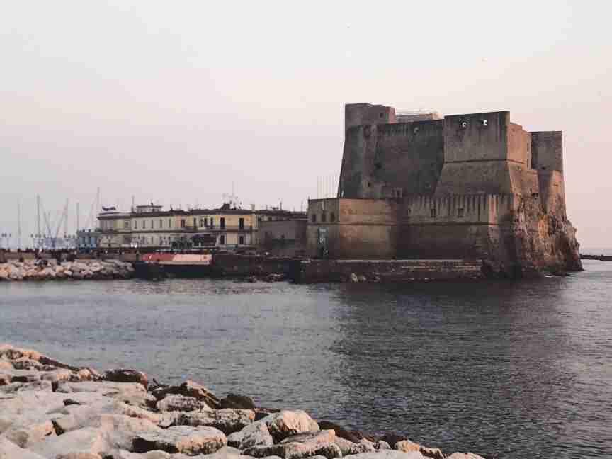 נאפולי - מצודת דל אובו
