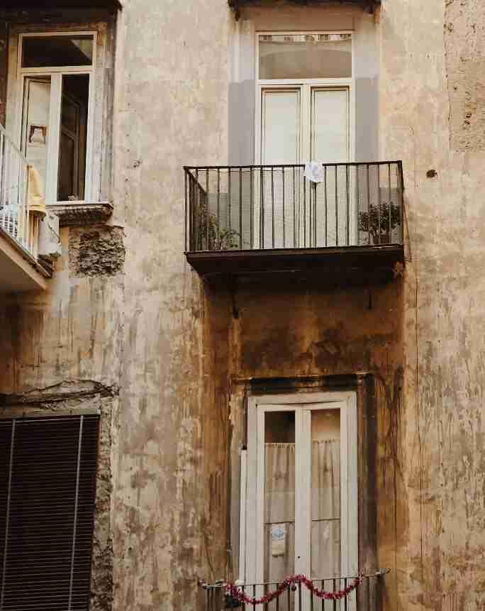 נאפולי - מרפסות ברובע הספרדי