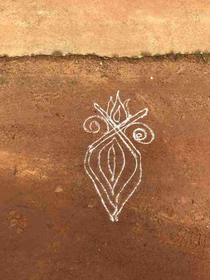 ציורי הקולאם בכניסה לבתים - אומנות ואמונות בהודו