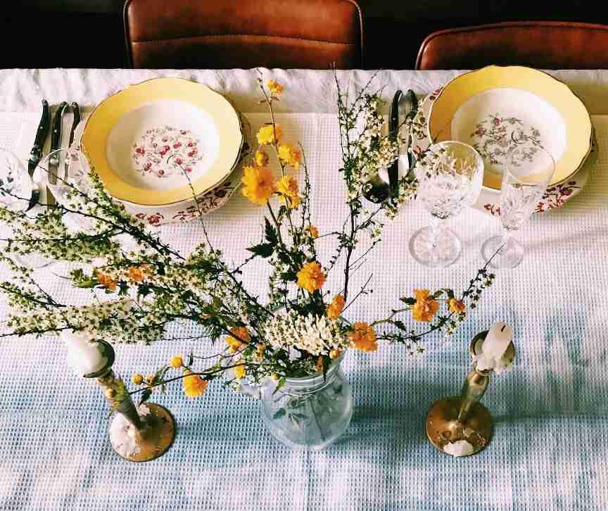 שולחן פסח חגיגי שאטו בורבוול צרפת