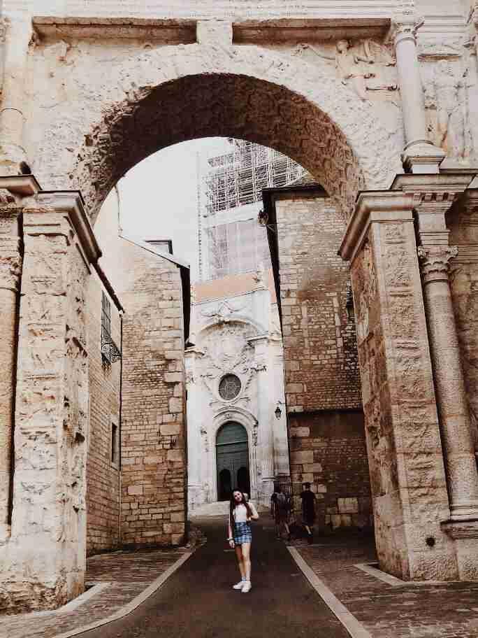חופשה בצרפת - השער השחור בזאנסון