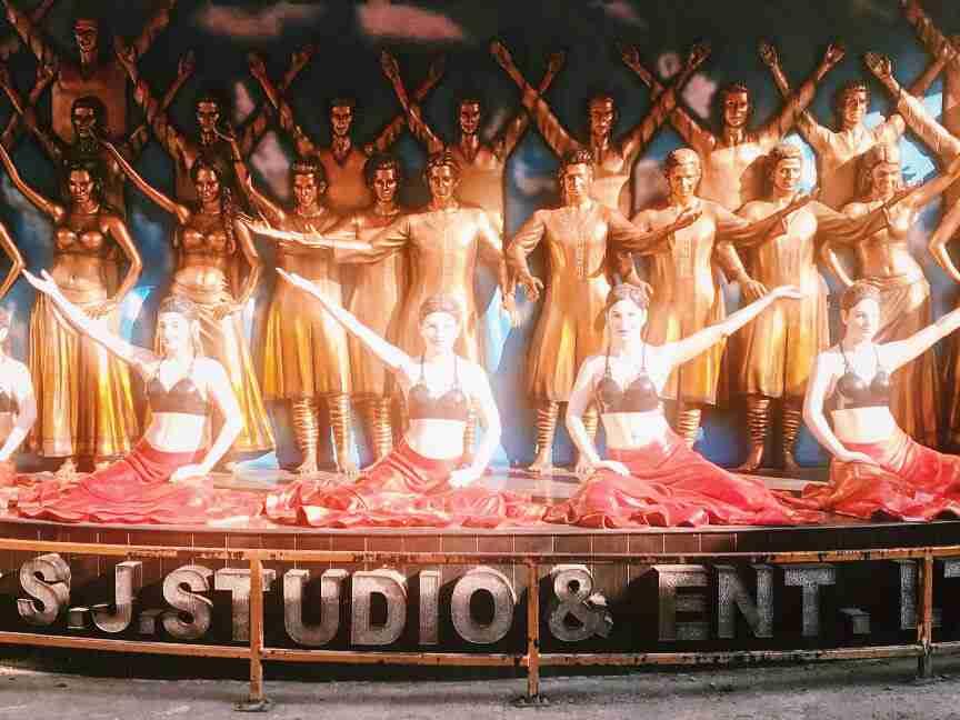סטודיו בתעשיית בוליווד, צפון מומבאי