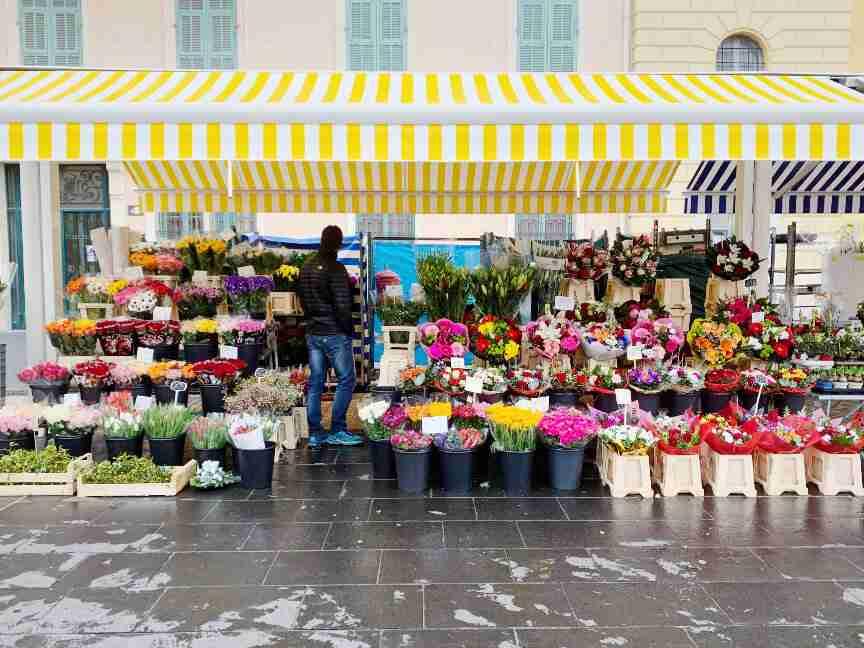 שוק הפרחים בניס