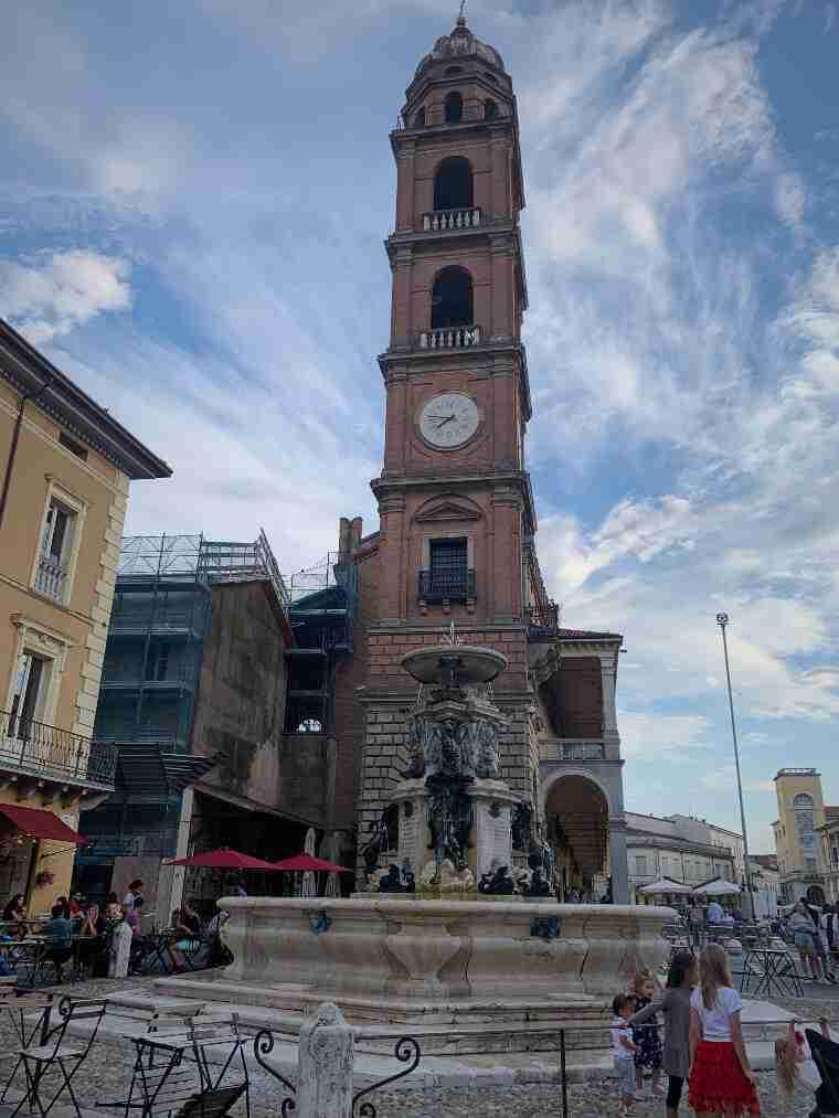 מגדל הפעמונים, פאנזה