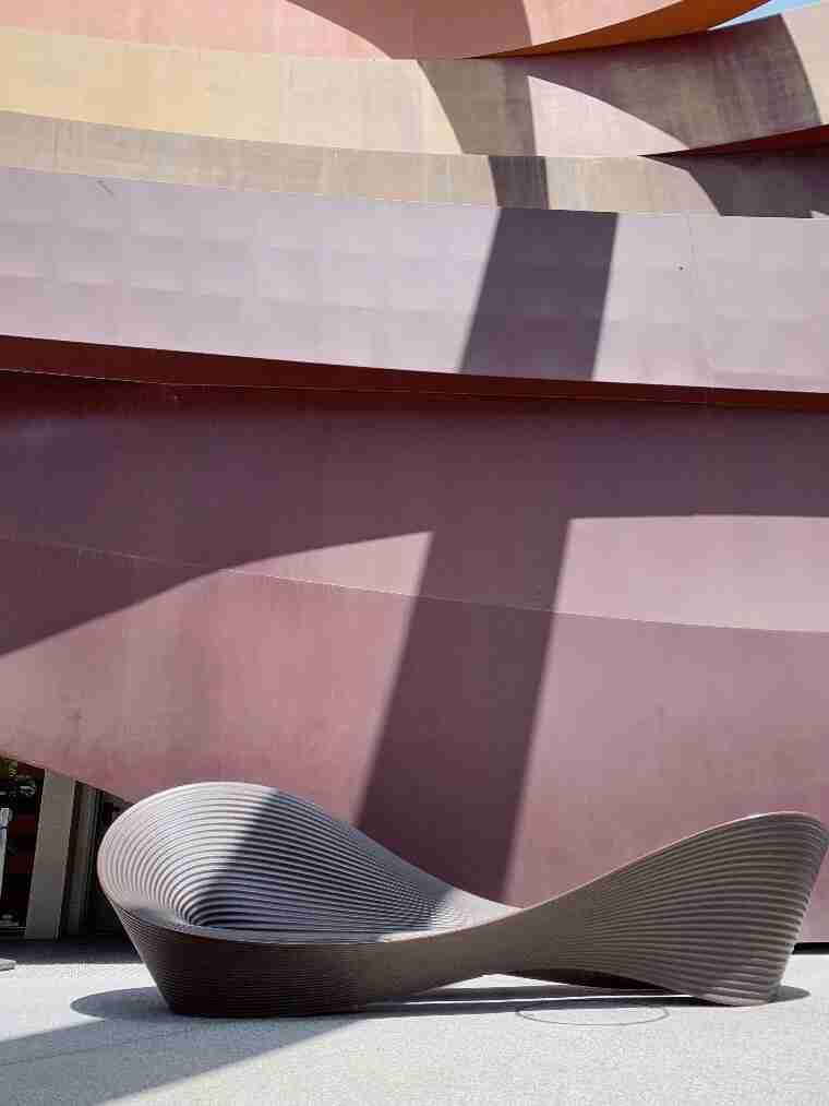 מוזיאון העיצוב בחולום - תערוכת הנשף